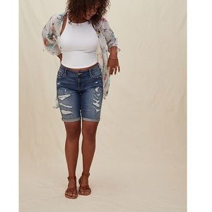 Torrid Bermuda Short Vintage Stretch Medium Wash